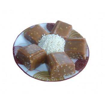 Бурфи (молочная помадка) с кунжутом
