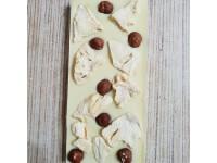 Белый шоколад с ананасом и фундуком